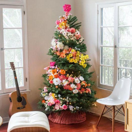 árvore de natal decorada primaveril