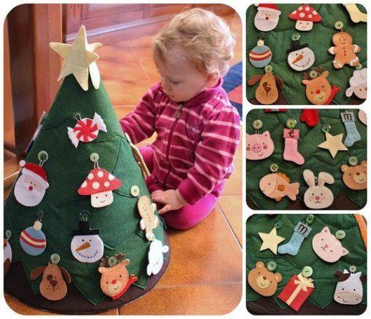 árvore de natal decorada para bebês