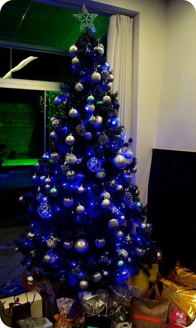 árvore de natal enfeites azuis