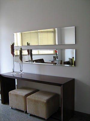 sala simples com espelho
