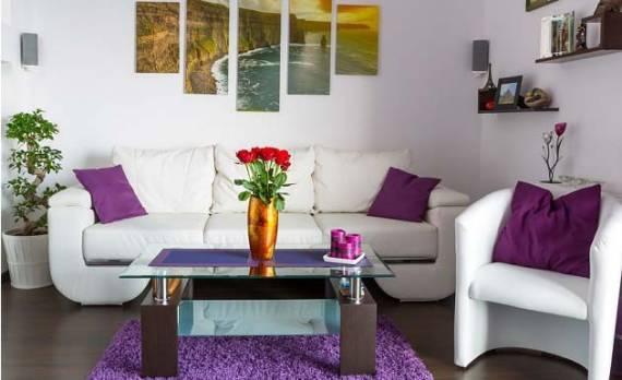 sala simples com itens modernos