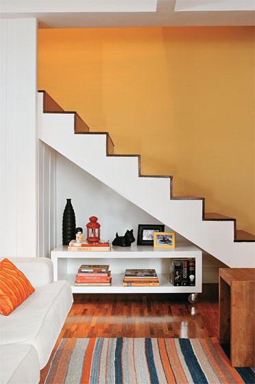 sala simples com escada