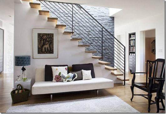 sala simples decoração com escada
