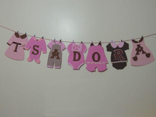 chá de bebê rosa e marrom