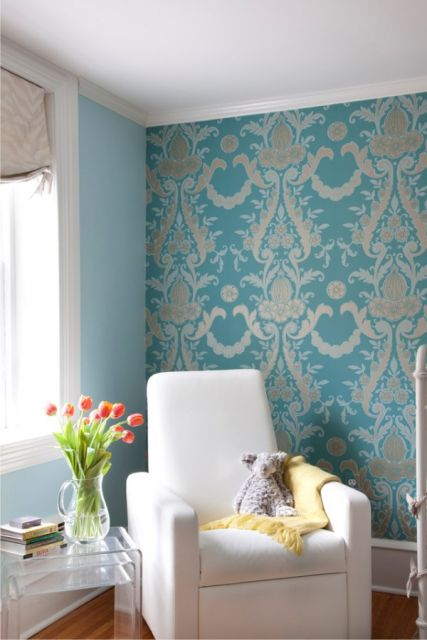 papel de parede arabesco azul metálico