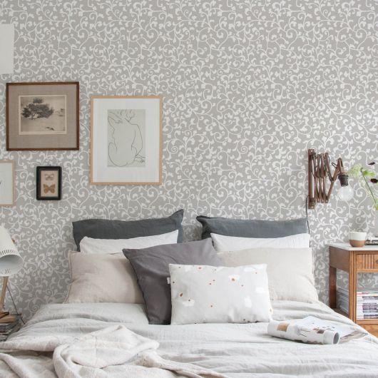 papel de parede arabesco cinza no quarto