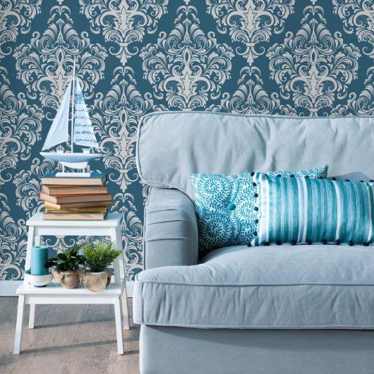 papel de parede arabesco azul e branco