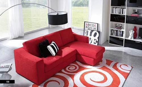sofá vermelho retrátil