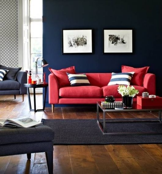 sofá vermelho 2 lugares