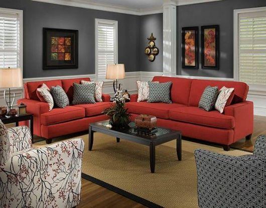 sala com sofá vermelho