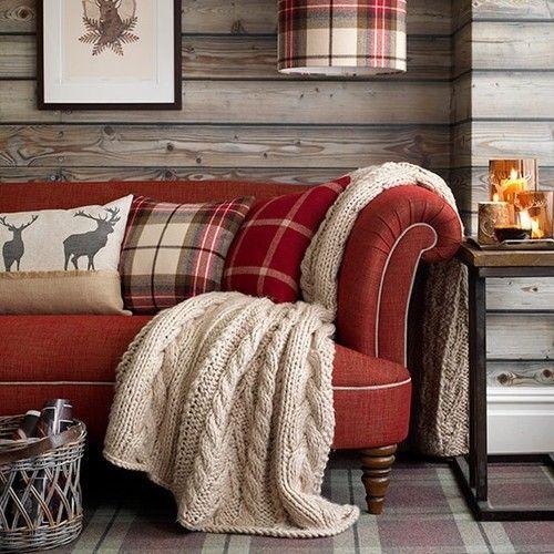sofá vermelho estilo retrô