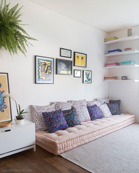 sofá futon delicado