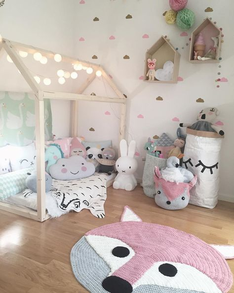 Little Girls Bedroom Colors New York Bedroom Curtains Small Bedroom Chairs For Adults Home Decor Bedroom: 67 Tapetes Para Quarto De Bebê Lindos E Delicados Para Se