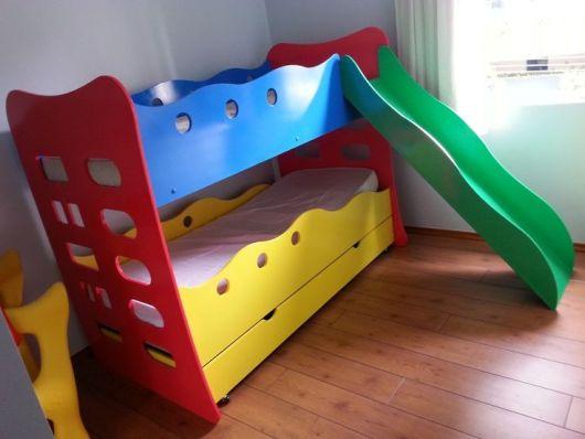 cama infantil colorida