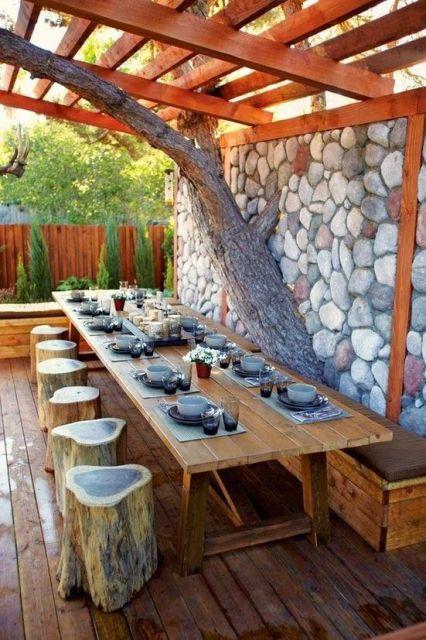 varanda de madeira mesa de jantar