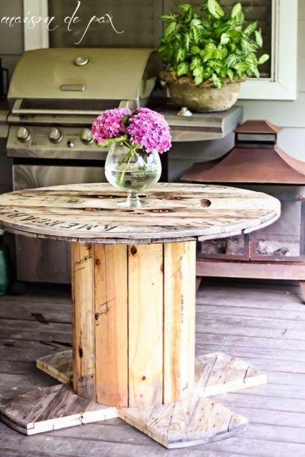 mesa de bobinas varanda de madeira