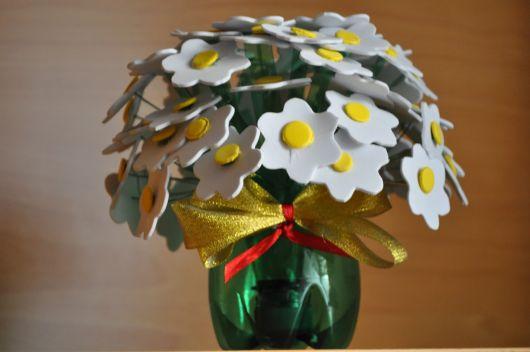 vaso com flor de EVA