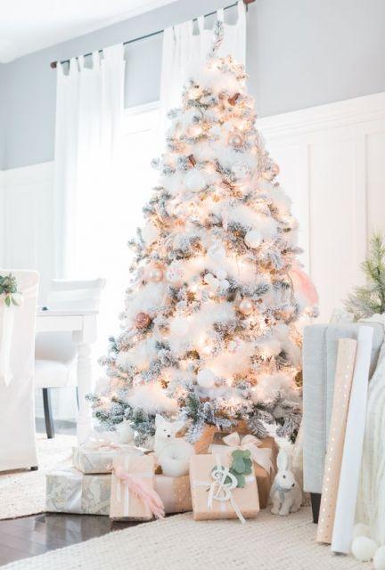 Árvore de Natal grande.