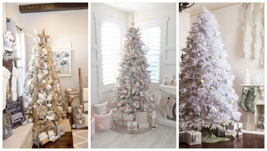 Árvores de Natal brancas enfeitadas.