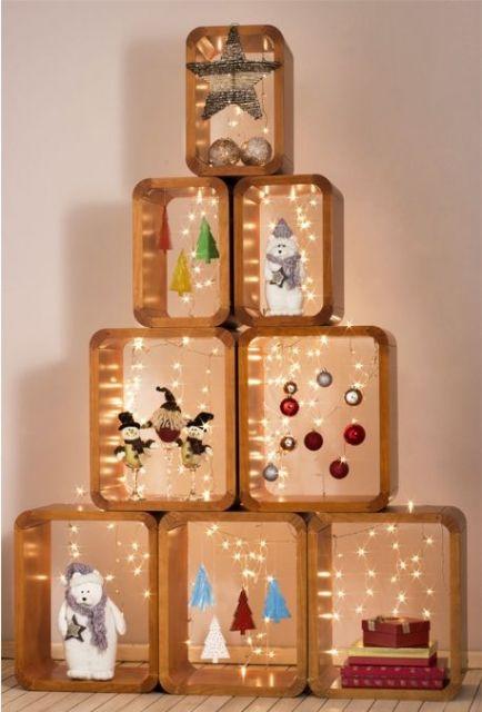 árvore de Natal feita com nichos