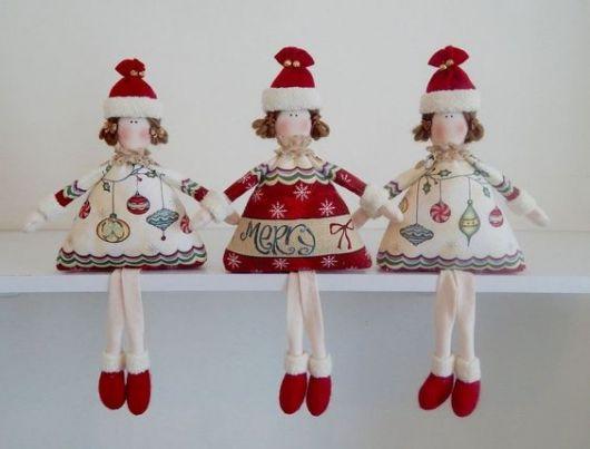 Enfeites de bonecas.