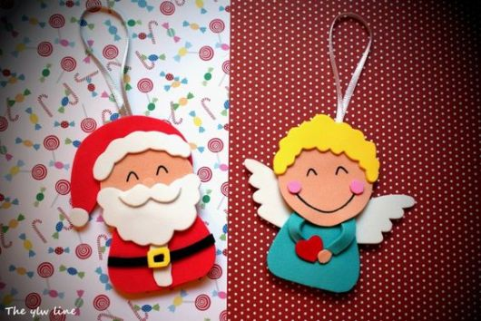 Enfeite de anjo e Papail Noel feitos de EVA.