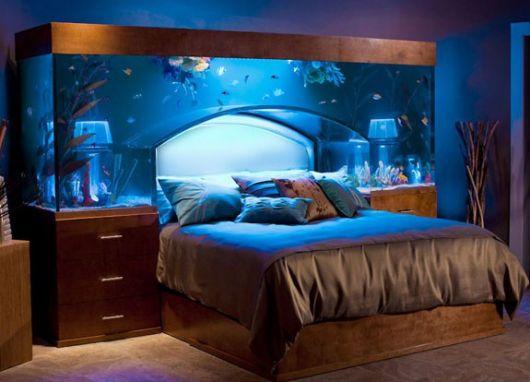 aquário marinho no quarto