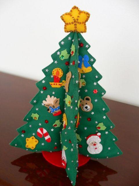 árvore de natal artesanal feito de feltro