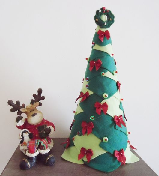 árvore de natal artesanal feltro pequena