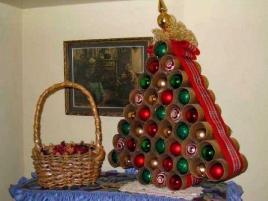 árvore de natal artesanal PVC com bolas