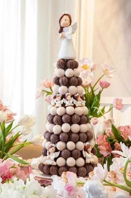 árvore de natal artesanal feita com chocolate
