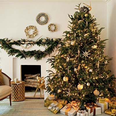 árvore de natal dourada clean