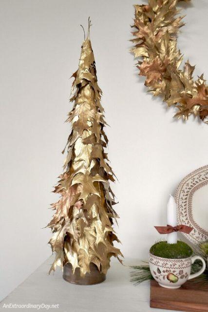 árvore de natal dourada pequena
