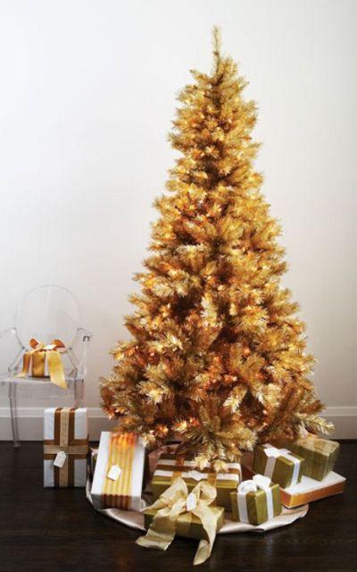 árvore de natal dourada para mesinha