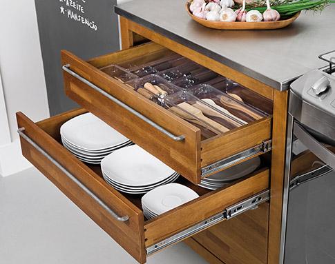 como organizar gavetas da cozinha