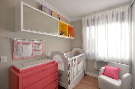 cômoda para quarto de bebê rosa