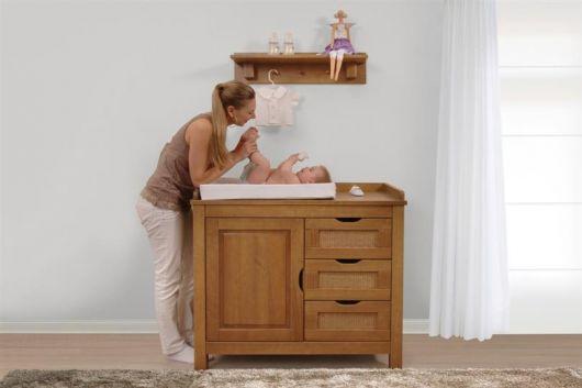 cômoda para quarto de bebê pequena