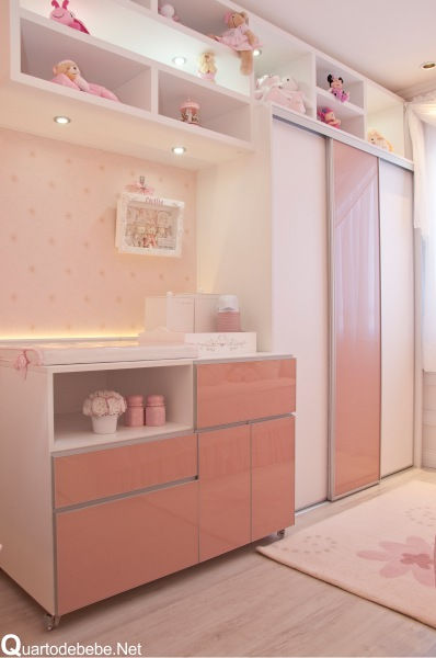 cômoda para quarto de bebê estilosa rosa