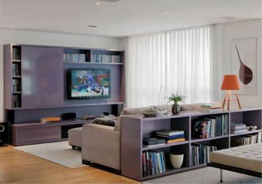 estante para sala de TV