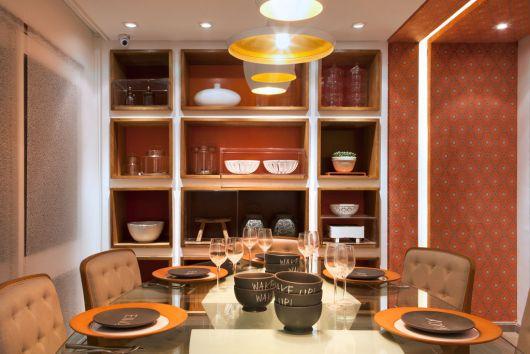 estante para sala de jantar