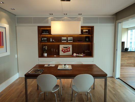 estante para sala de jantar pequena