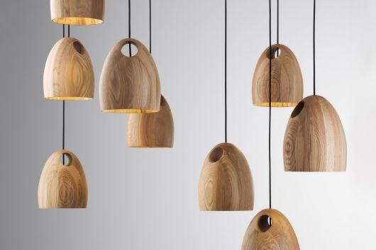 luminária de madeira pendente