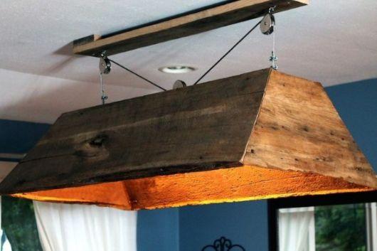 luminária de madeira para varanda artesanal