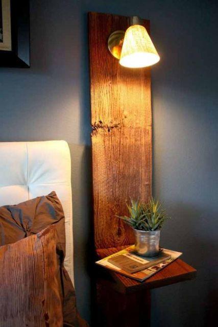 luminária artesanal de madeira no quarto