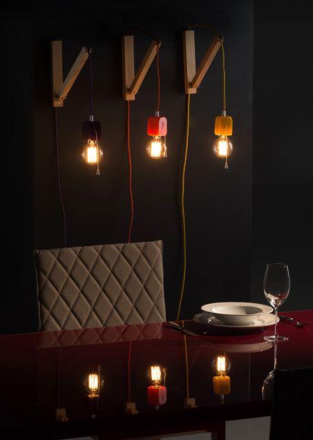 luminária de madeira de parede colorida