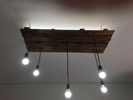 luminária de madeira para varanda pendente