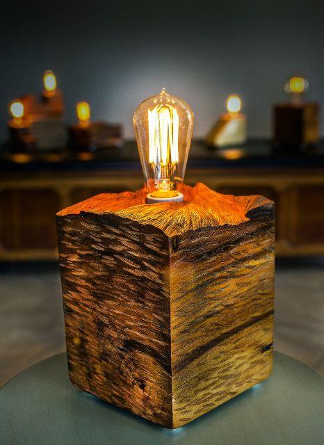 luminária artesanal de madeira rústica