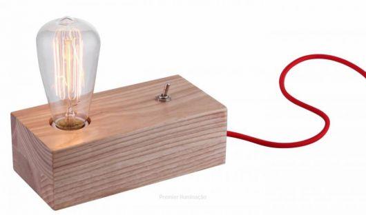 luminária de madeira de mesa diferente