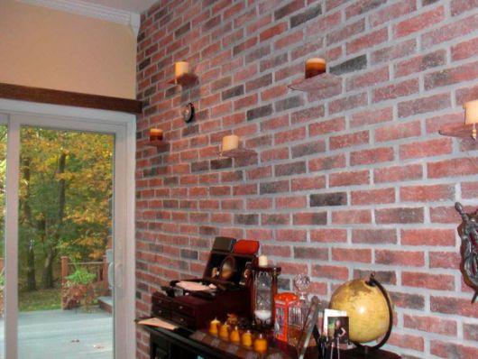 papel de parede vermelho de tijolinho decoração
