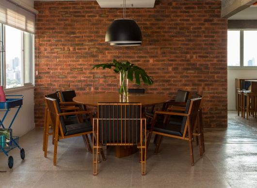 papel de parede de tijolinho rústico sala de jantar